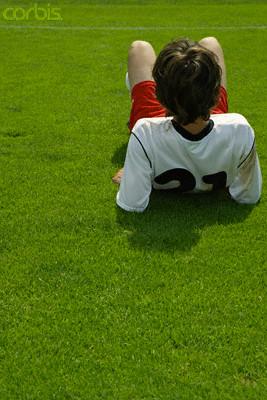 Pourquoi des joueurs de foot décèdent régulièrement ?