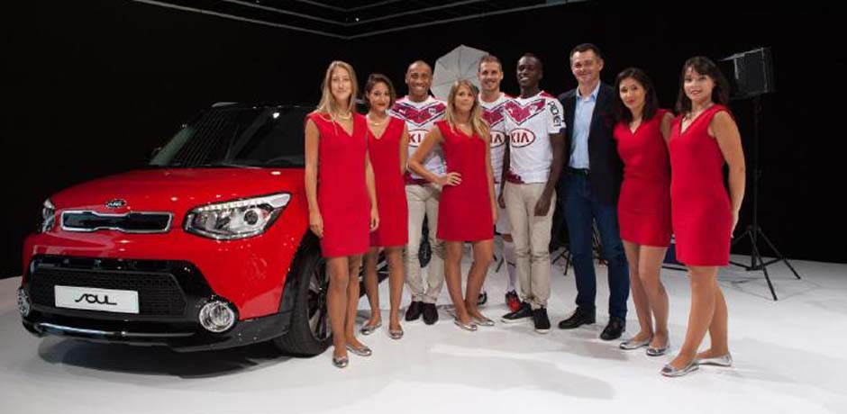 Quand le football s'invite au Mondial de l'Automobile 2014 de Paris