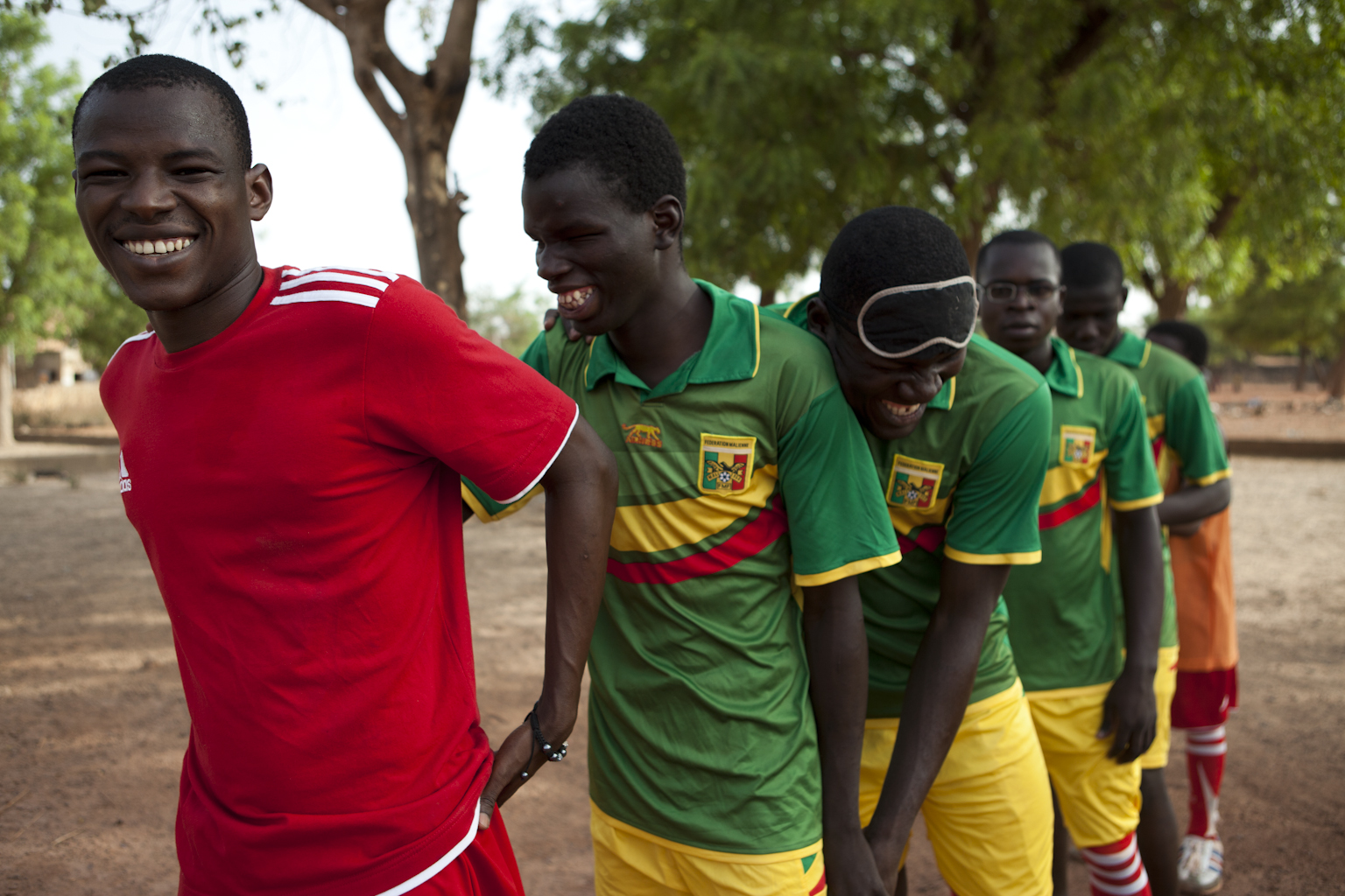"""Clichés incroyables pour l'initiative """"Solidarité Aveugle"""" au Mali"""