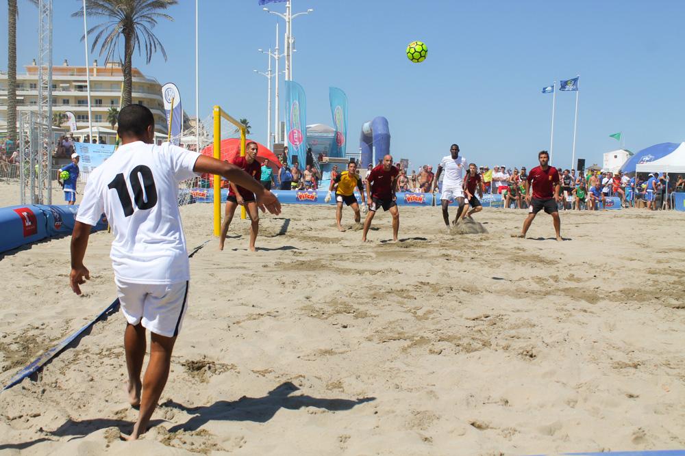 Les 15 photos qui vont vous faire aimer le beach soccer