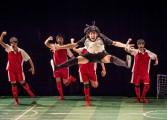 Une chorégraphe transforme le football en danse