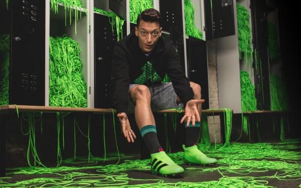 adidas lance les ACE 16+, ses premières chaussures de foot sans lacets