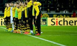 Les marques de respect incroyables des supporters de Dortmund envers un fan décédé en plein match
