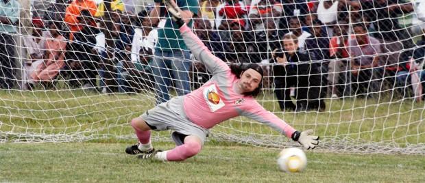 Lutz Pfannenstiel, le globe-trotter du football