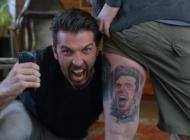 Quand Mastercard fait tatouer à Buffon le visage d'un de ses fans !