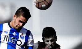 Pourquoi le FC Porto arbore t-il l'inscription «Invicta» sur son blason?