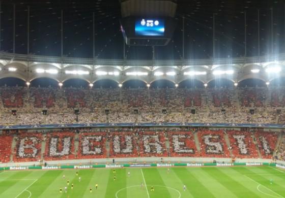 Les supporters du Dinamo Bucarest ont saboté le tifo du Steaua