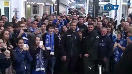 Les supporters de Bastia accueillent les joueurs après Bastia/Nancy
