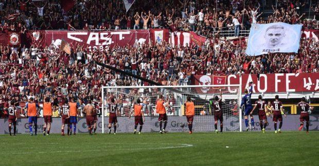Les fans de Manchester City ont envoyé une banderole en l'honneur de Joe Hart à ceux du Torino