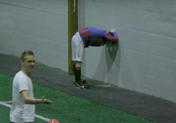Jouer au football bourré ? Des Norvégiens l'ont fait !