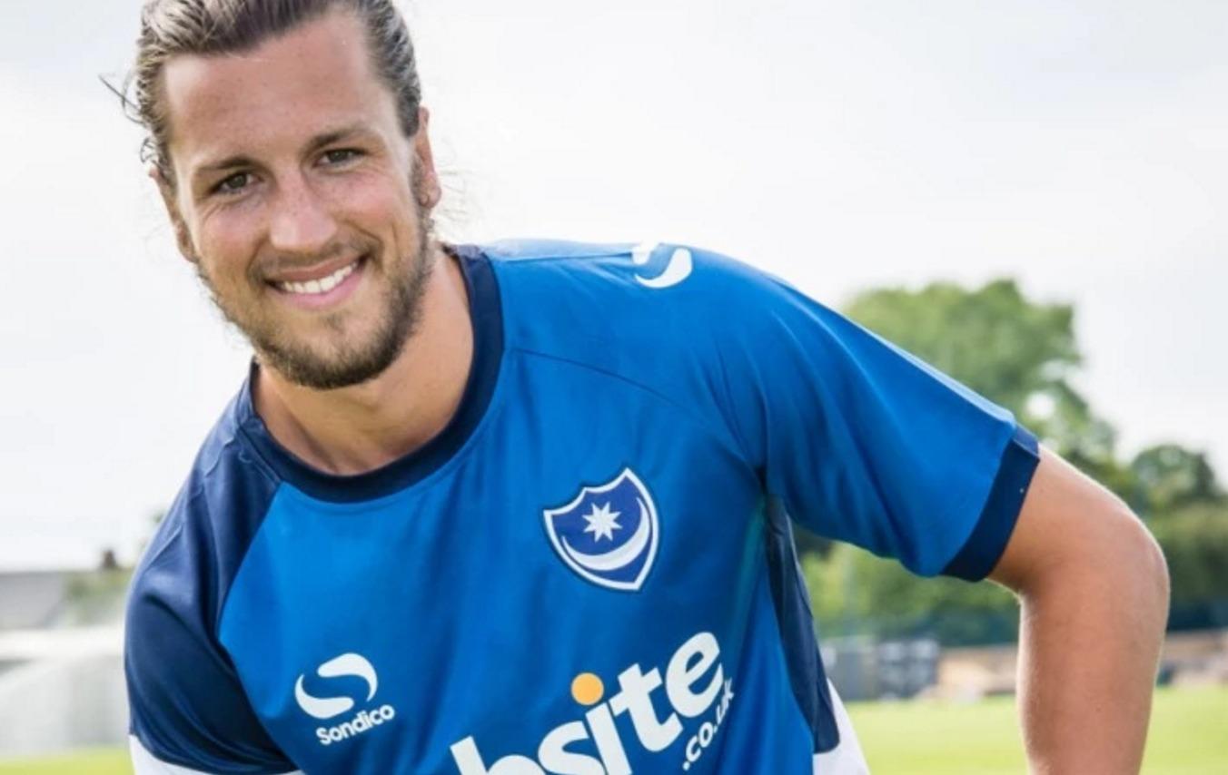 Match annulé ? Un joueur de Portsmouth va s'entraîner avec des U12 !