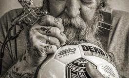 Le ballon du championnat hollandais dessiné par un tatoueur