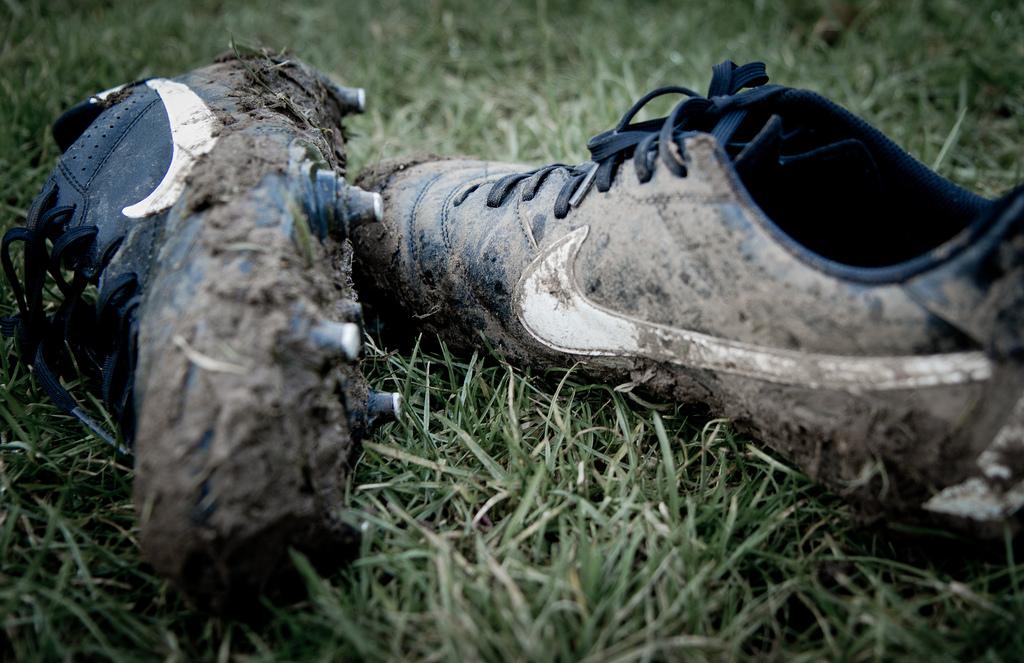 Et Entretenir Football Comment LaverNettoyer Chaussures Ses De xrBQdCoeW
