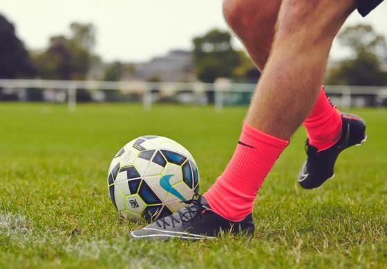 Quelles chaussures de foot pour un défenseur ?