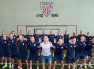 Les joueurs de l'Athletic Bilbao se rasent la tête en soutien à Yeray Alvarez