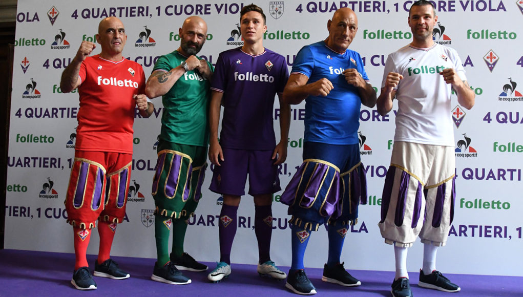 La Fiorentina présente ses maillots en mode Calcio Florentin