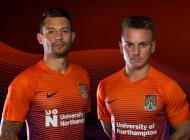 Manchester City chambre Northampton et son nouveau maillot Third