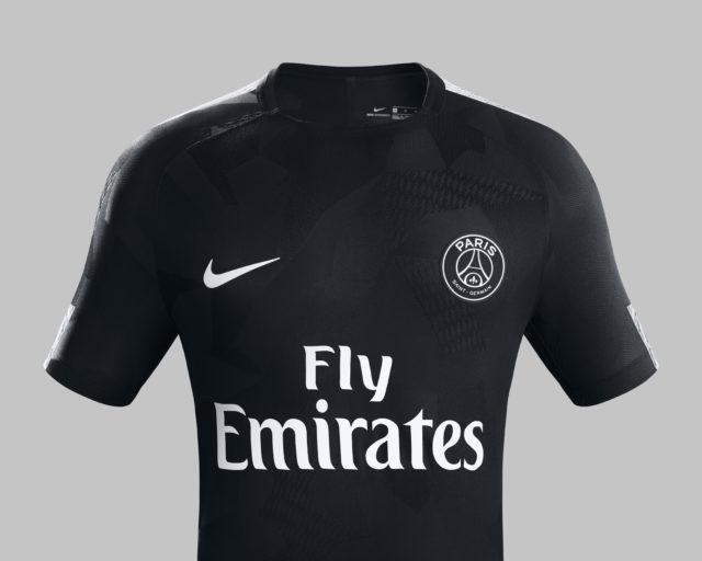 Nike et Neymar Jr présentent le maillot third noir du PSG