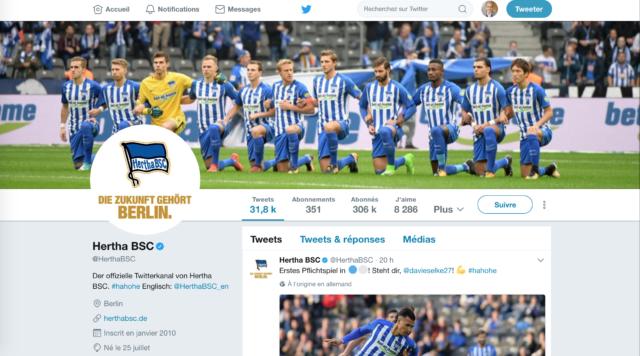Pourquoi les joueurs du Hertha Berlin ont mis un genou à terre ?