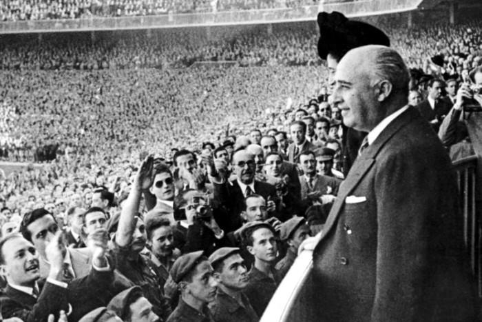 Fascisme et autoritarisme au service de la suprématie des clubs des capitales européennes au XXe siècle