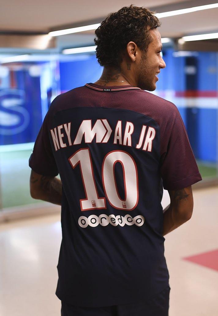 Nike propose un flocage Mercurial pour Mbappé et Neymar