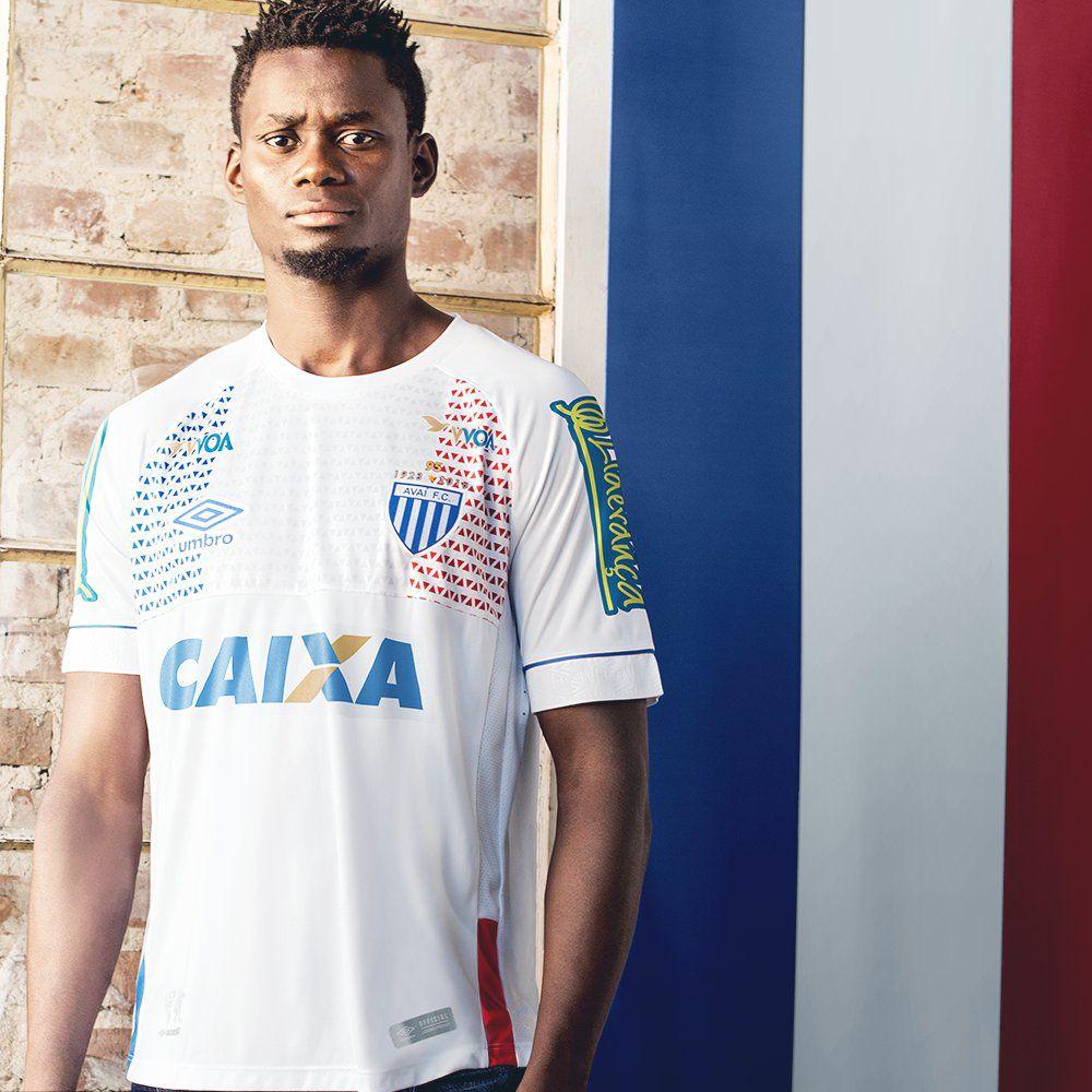 Umbro met ses clubs brésiliens aux couleurs des pays qualifiés pour le Mondial