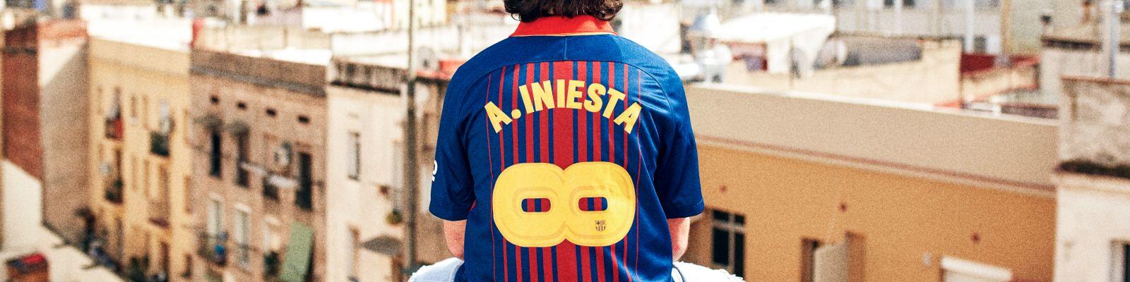 Un maillot collector du Barça pour célébrer Iniesta