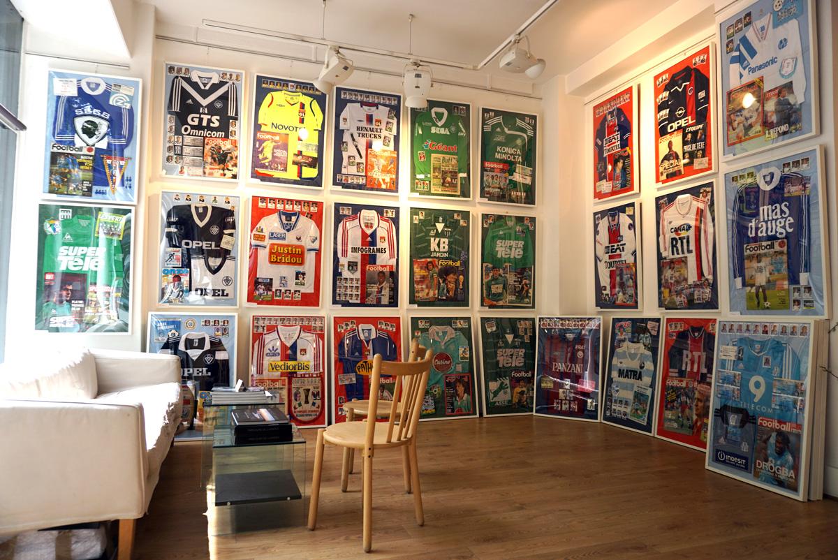 Une expo de maillots unique à la galerie Jean-Denis Walter (Paris)