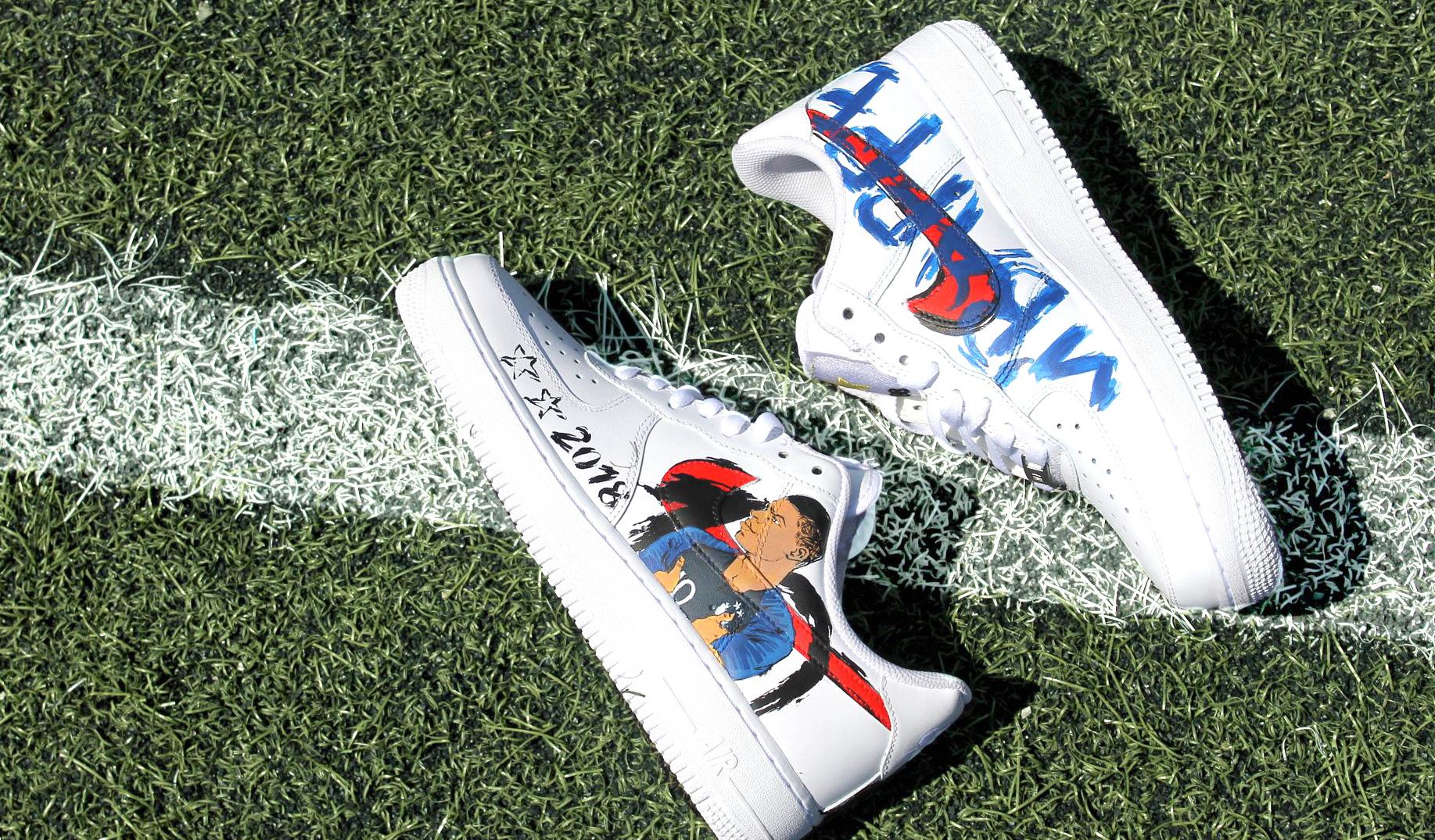 Docteur Sneaker célèbre la victoire des Bleus en Russie