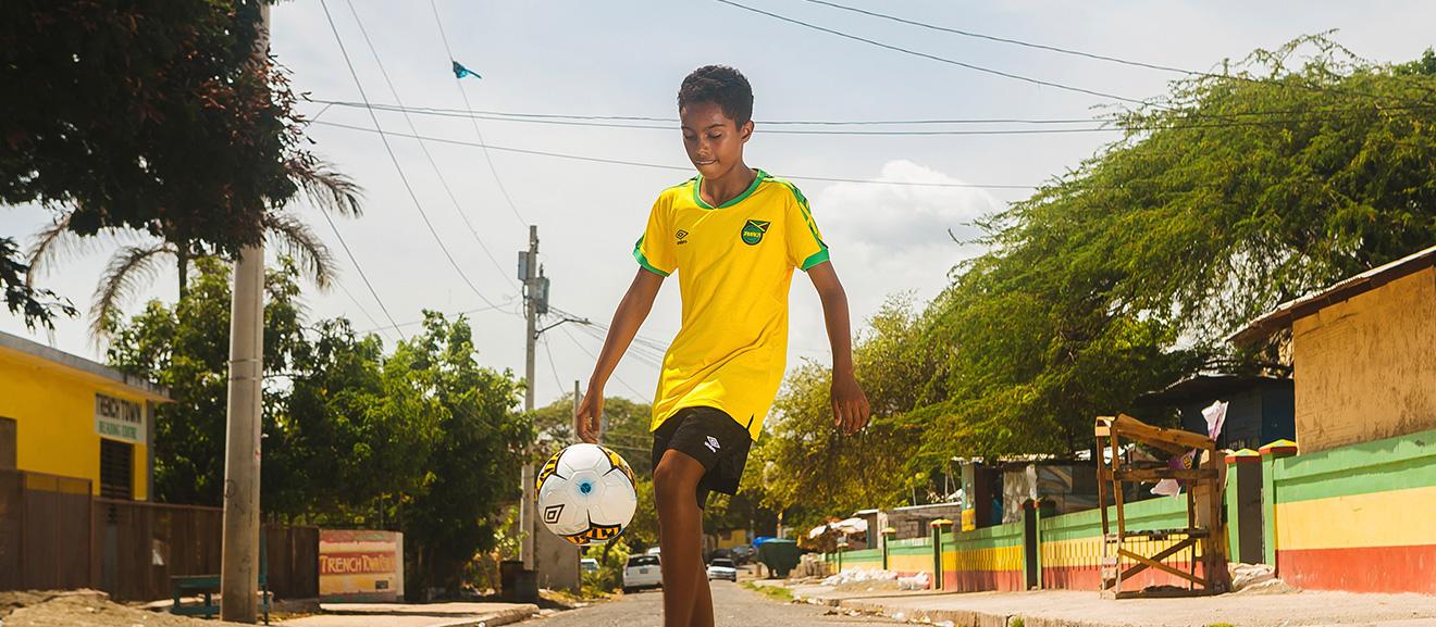Les nouveaux maillots créatifs d'Umbro pour la Jamaïque