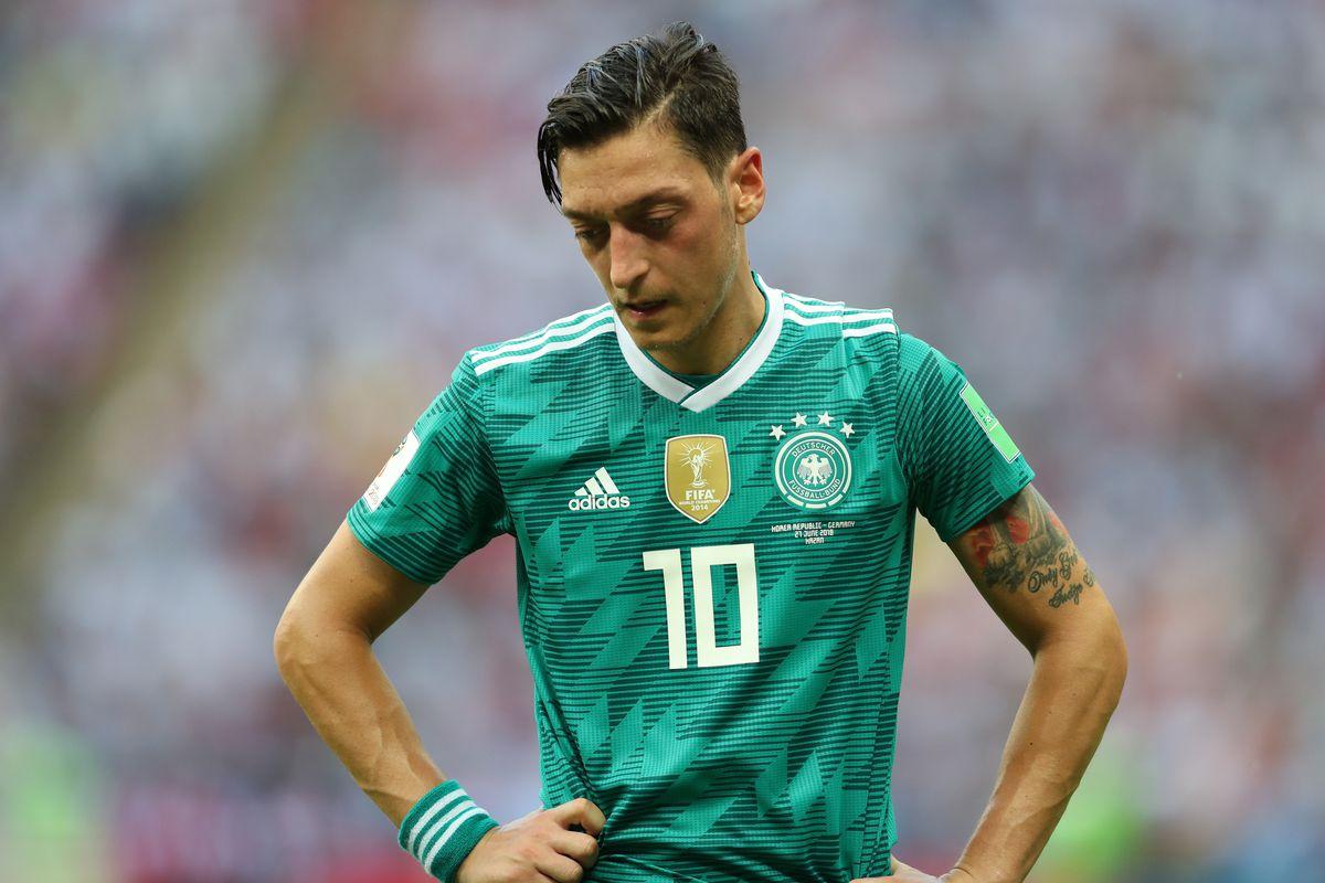Le cas qui divise l'Allemagne : Mesut Özil