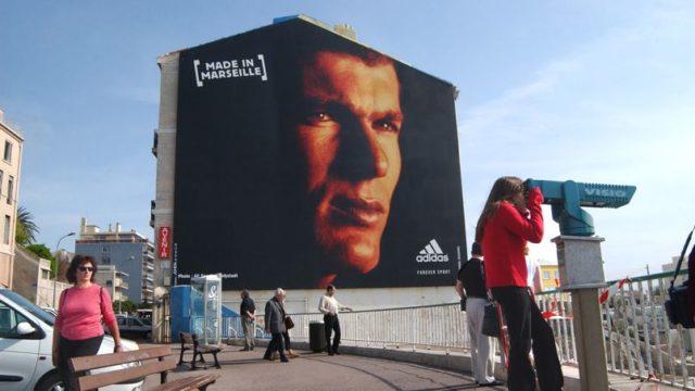 Calendrier de l'Avent #10: Zinédine Zidane, superstar