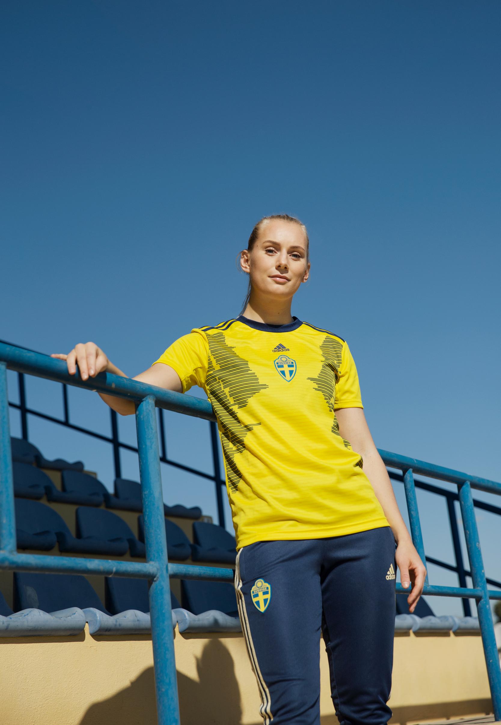 48 femmes inspirantes sur le dos de l'équipe de Suède