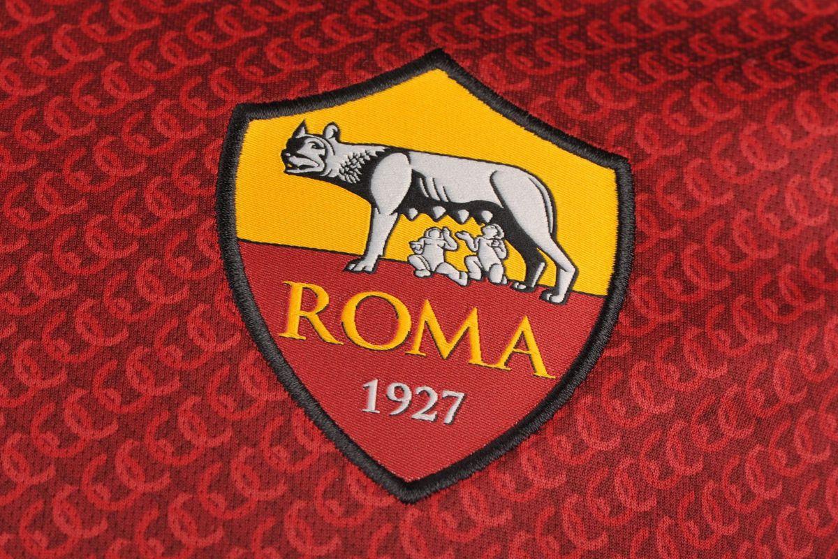 Un «supporter» raciste de la Roma exclu du stade à perpétuité