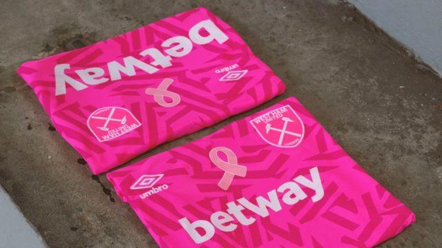 West Ham dévoile un maillot exclusif contre le cancer du sein