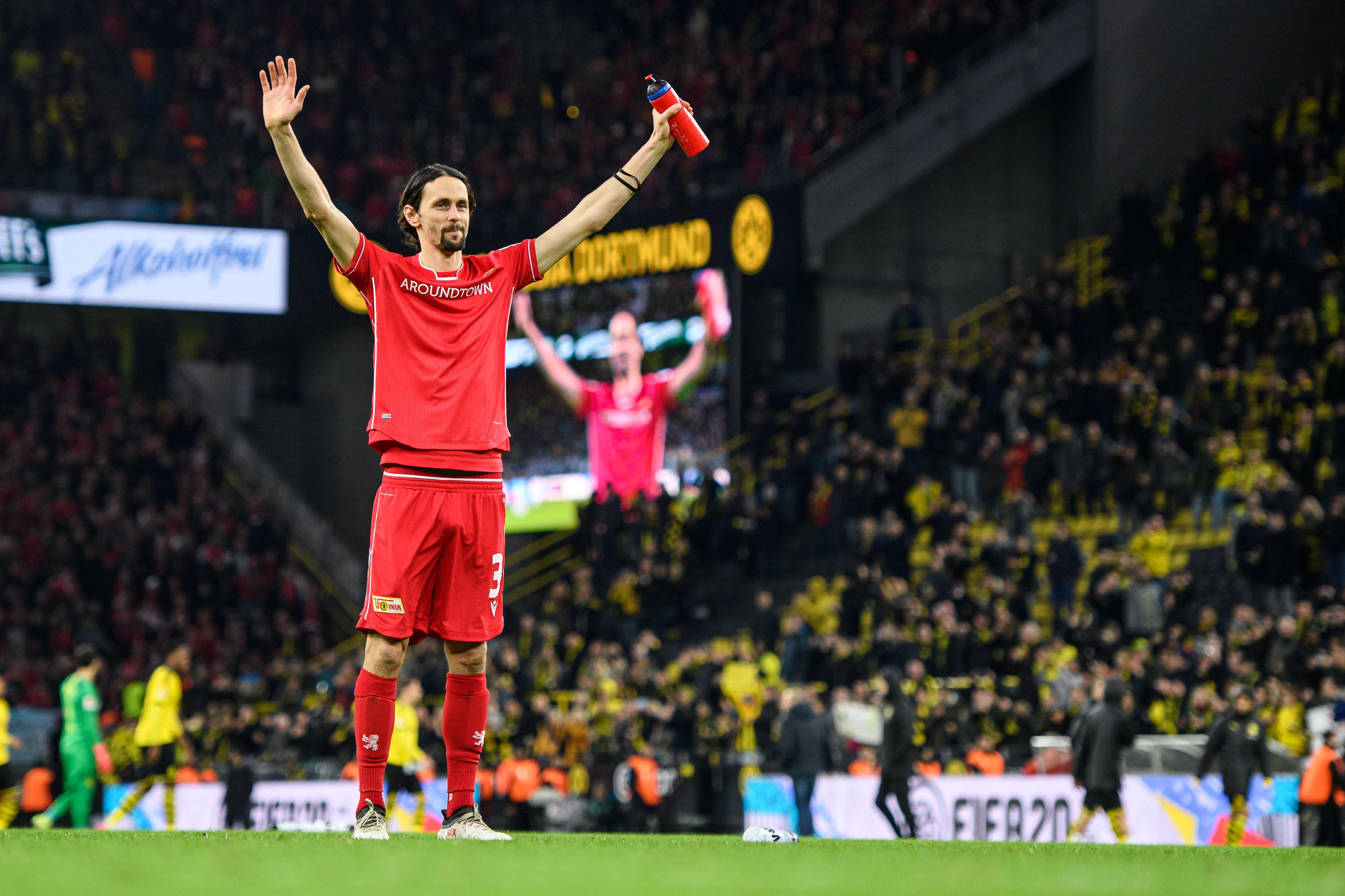 Le vibrant hommage des supporters du BVB à Neven Subotic