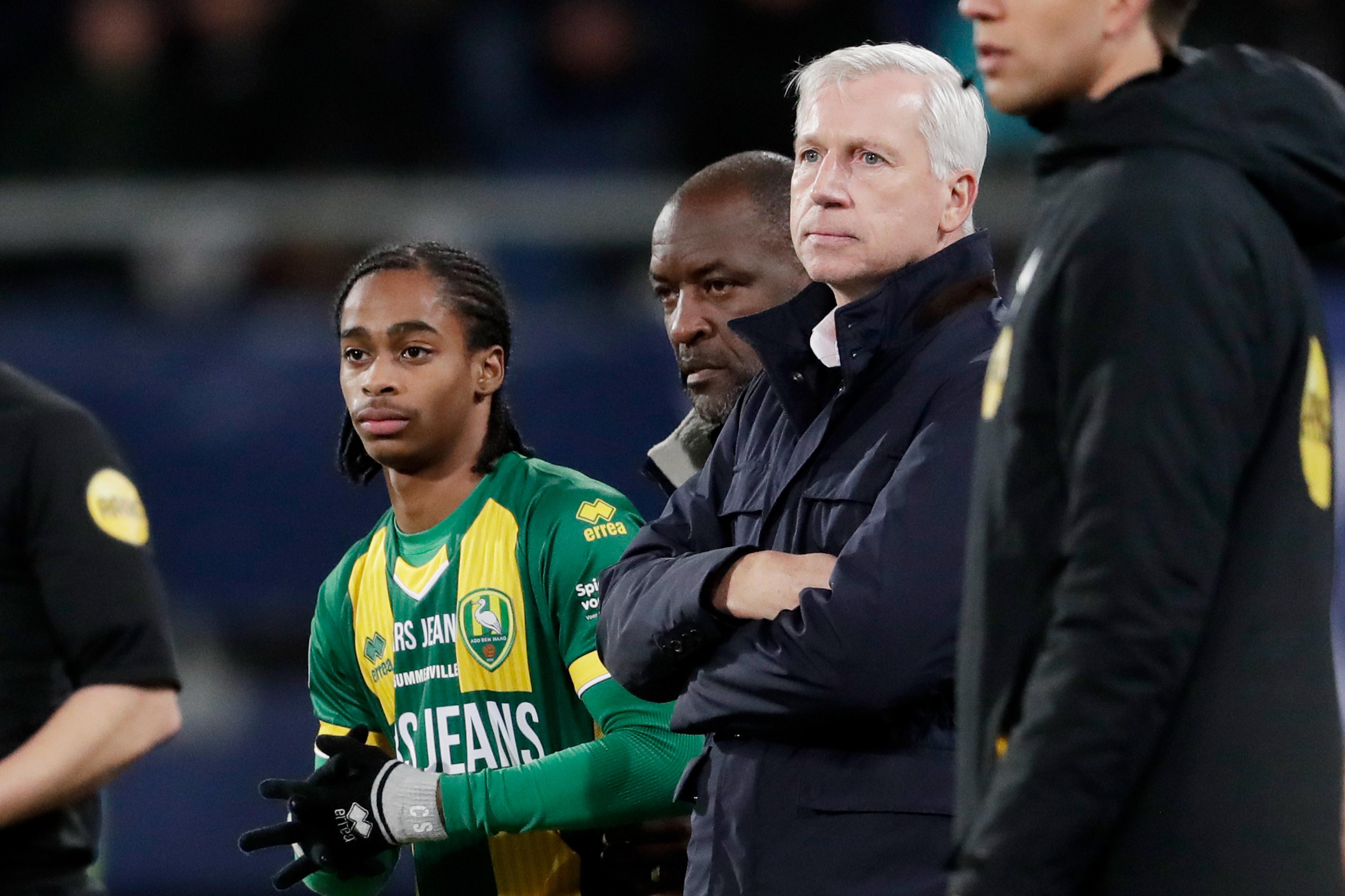 A La Haye, les supporters interrompent l'entraînement pour une séance de tableau blanc