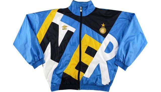 Des vestes de l'Inter Milan remixées par Supreme