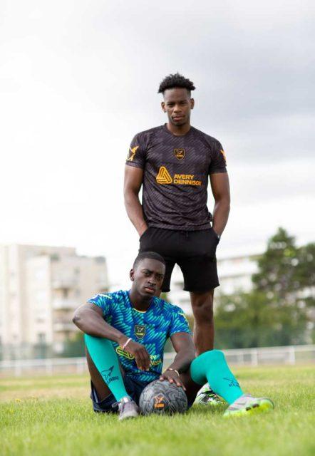 Fabrice Muamba et KLABU créent un maillot pour les réfugiés