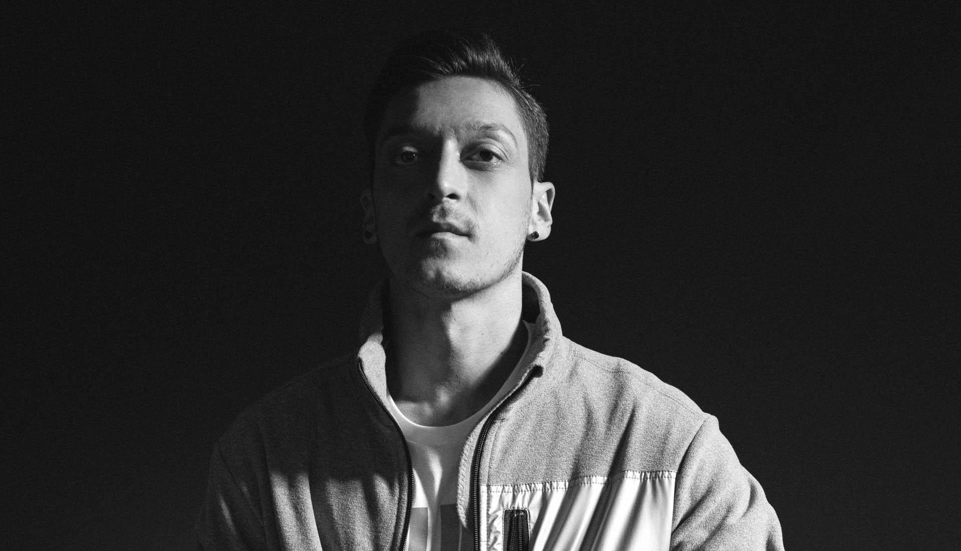 Özil lance le début de sa collection M10